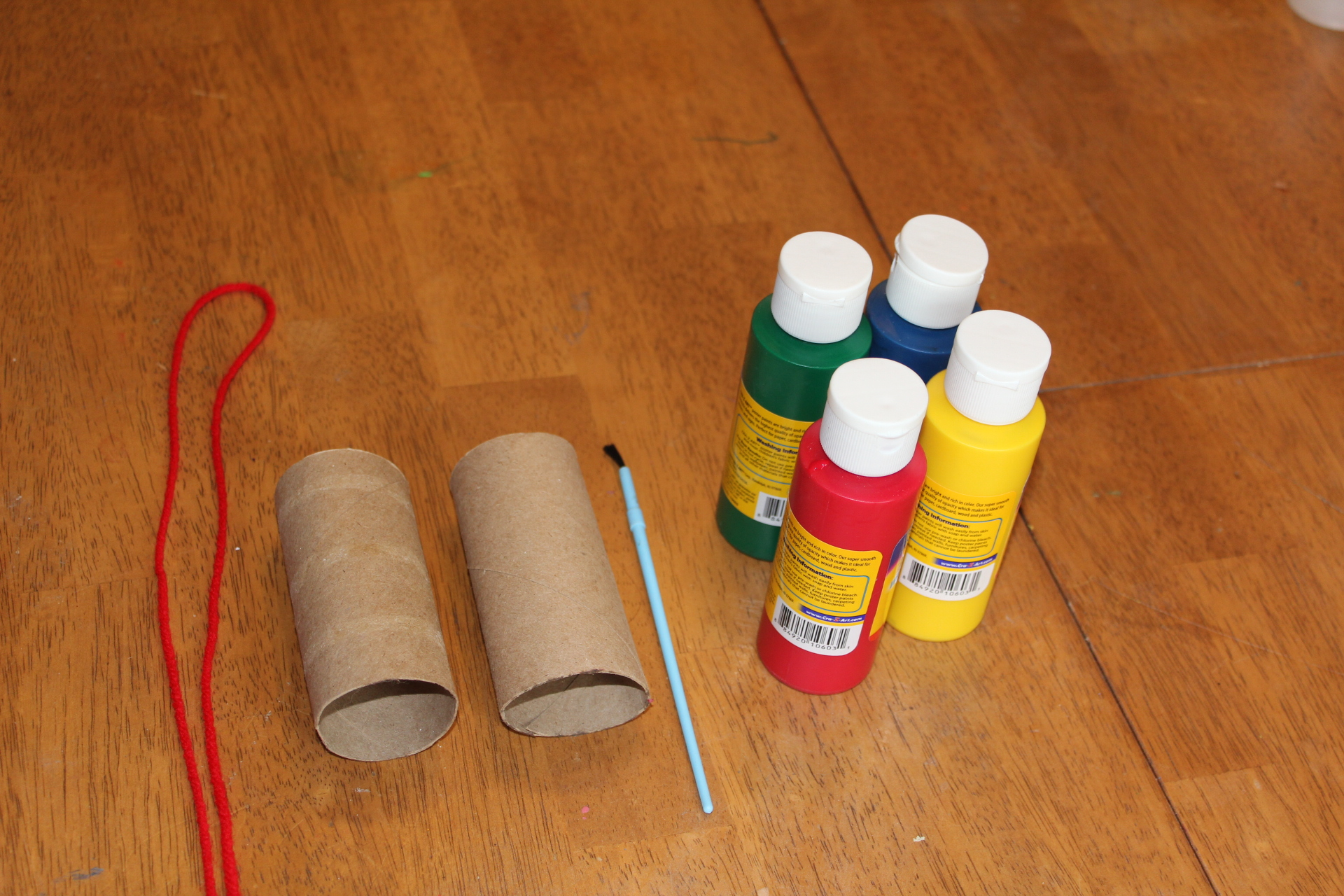 Toilet paper roll binoculars craft painting lil 39 caboose for Painting toilet paper rolls