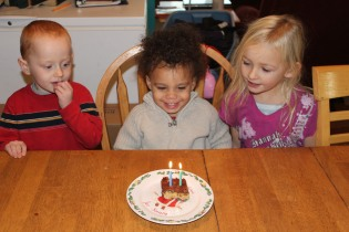 MALAKAIS 2ND BIRTHDAY NOV 30 2012 031