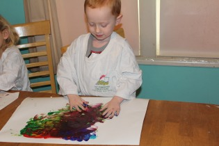DAY CARE FINGER PAINT COOKING 005