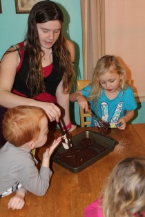 DAY CARE FINGER PAINT COOKING 033