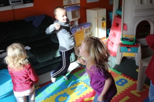 DAYCARE DANCE, PUZZLES, JEREMY 002
