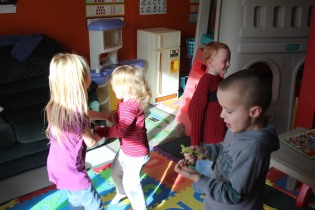DAYCARE DANCE, PUZZLES, JEREMY 003