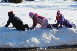 DAYCARE OUT IN THE SNOW FEB 13 2013 004