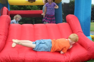 DAYCARE BOUNCE HOUSE CATERPILLAR JULY 9 2013 040