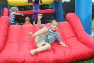 DAYCARE BOUNCE HOUSE CATERPILLAR JULY 9 2013 042