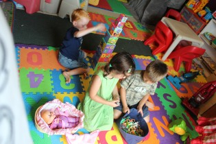 DAYCARE OUTSIDE PLAY KITCHEN JULY 17 2013 048