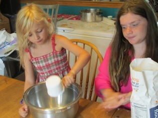 DAYCARE CRAFTS COOKING AUG 8 2013 045