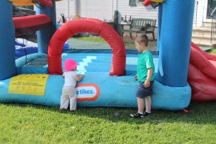 DAYCARE BOUNCE HOUSE CARTER GIRLS jULY 21 2014 007