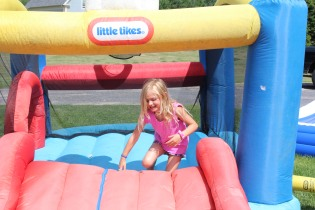 DAYCARE BOUNCE HOUSE CARTER GIRLS jULY 21 2014 016